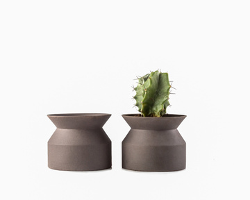 Simple minimalist Scandinavian style clay flower pot // succulent perfect // free shipping, Dark gray