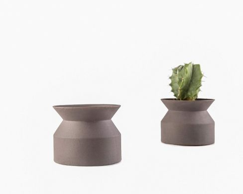 Simple minimalist Scandinavian style clay flower pot // succulent perfect // free shipping