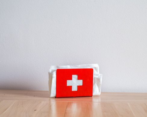 Swiss cross Napkin holder // FREE shipping worldwide // laser cut metal art // Unique and useful housewarming gift