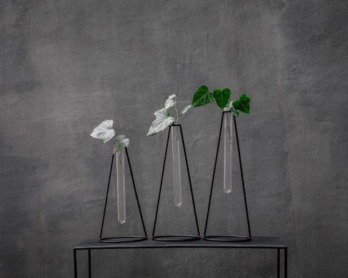 Minimalist metal wire Vase // Nordic style set of three // by Atelier Article, Black