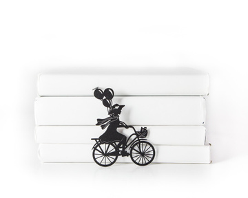 Metal bookmark / Girl on the bike with Balloons / Atelier Article, Black