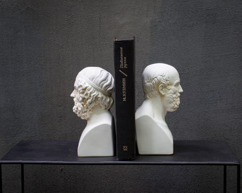 Plaster bookendns Ancient thinkers, White